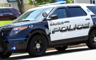 Saugus police escort to 2-year-old with rare cancer as family receives $5,000 from Cops for Kids with Cancer